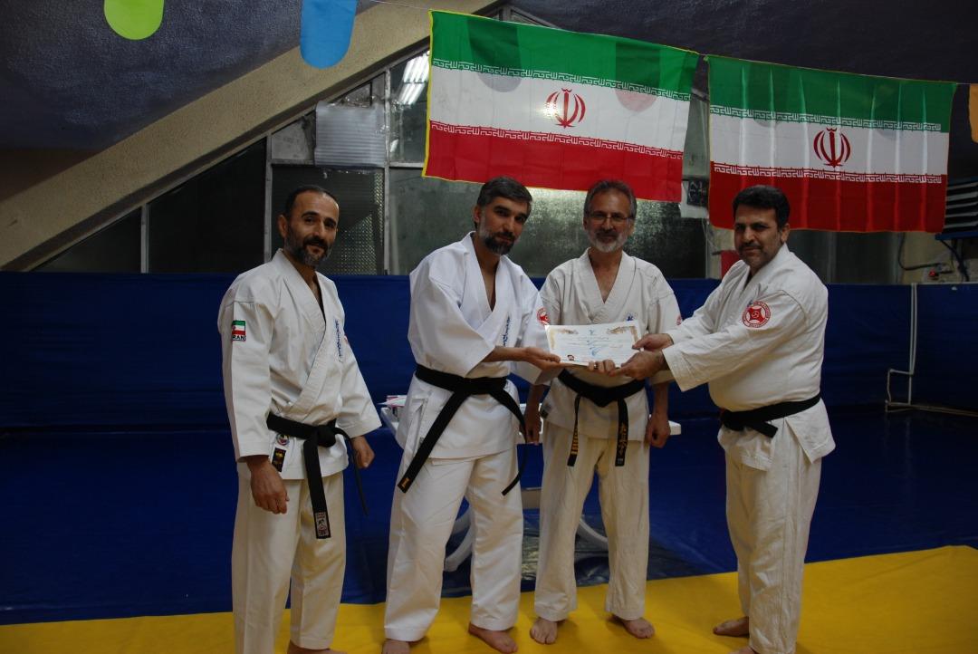 مراسم اهداء کمربند و احکام داوری سبک شیندو کیوکوشین کاراته